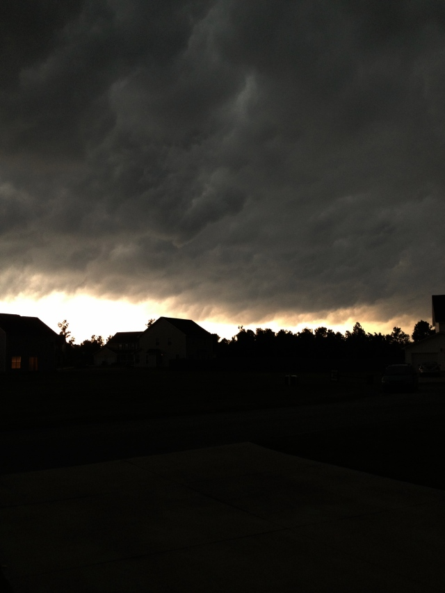 Bad storms coming in Maysville, NC right now